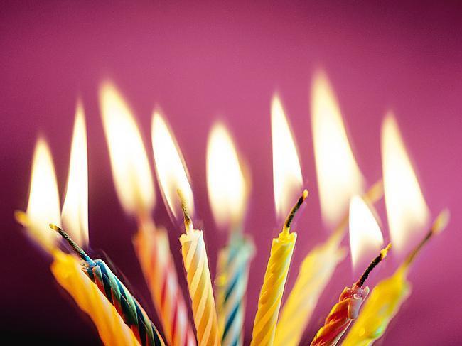 Gandrīz 2 miljoni kartīšu tiek... Autors: esterefris Fakti par dzimšanas dienām!!!