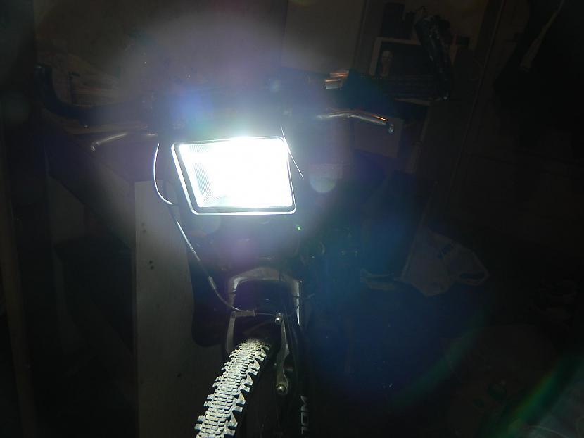 Autors: marciskt Velosipēda lukturītis