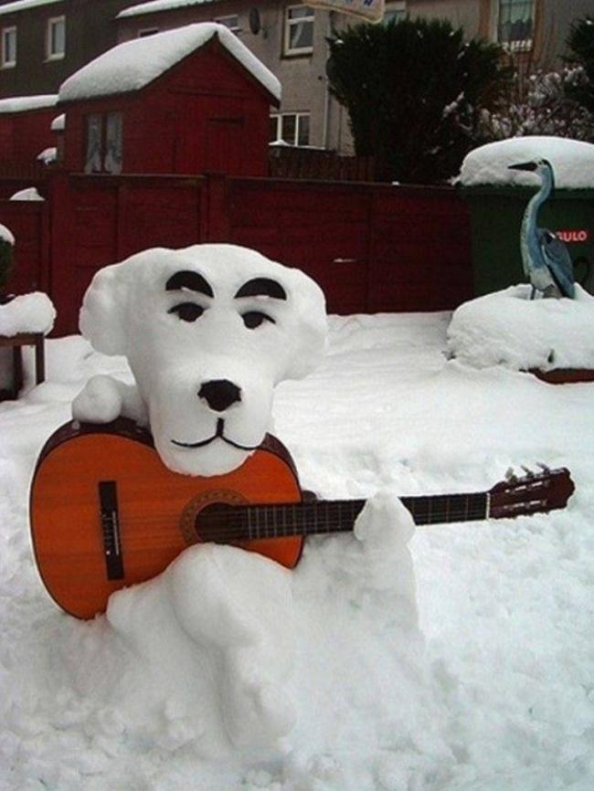 Autors: Hello Aidā spocēni velt sniega vīrus un sniega tantes !