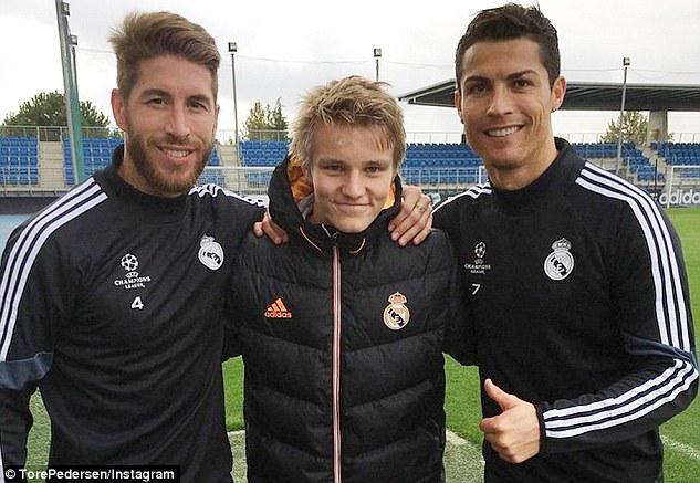 Martins Oslashdegaard... Autors: Fosilija 16 gadus vecs futbolists pelna 40 000 paundus