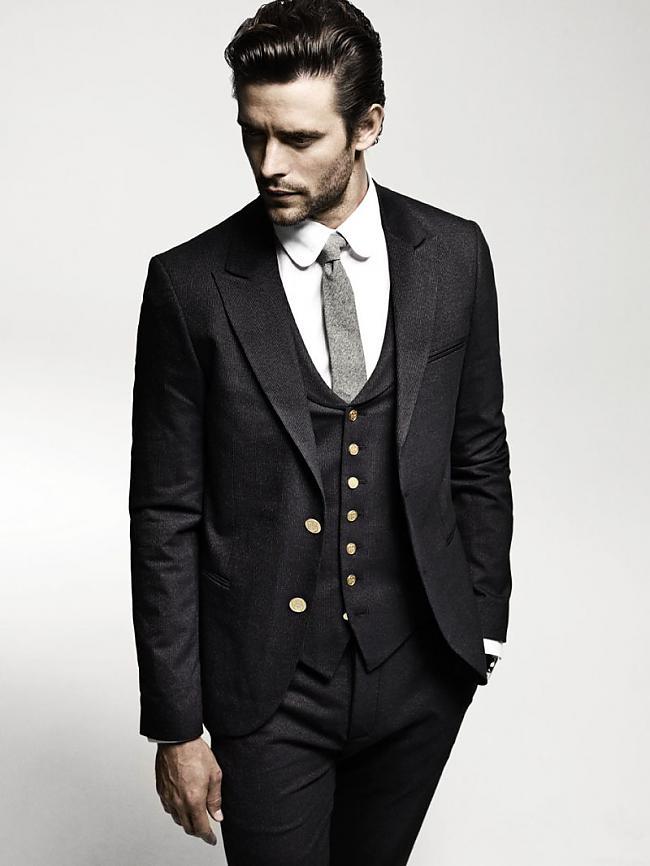 Autors: lapsiņa112 Vīrieši uzvalkos!
