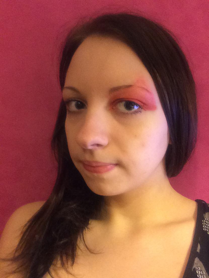 """4 Tad to jāizkrāso krāsojot uz... Autors: MazAa888 Neparasts vasarīgs make-up """"watermelon"""""""