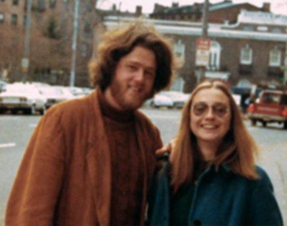 Bills un Hilarija Klintoni Autors: zmx Sabiedrībā pazīstami cilvēki jaunībā