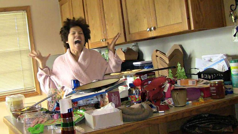 Autors: Manson Oļegs un Silvestrs šmorē pa virtuvi