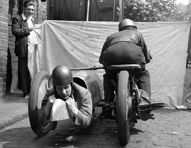 Agrākā motocikla ar blakus... Autors: Lords Lanselots Ko tik tie cilvēki neizgudro!!!