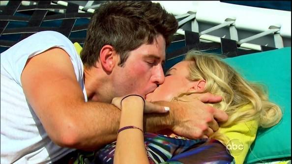 Scaronoks Tev scaronoks... Autors: EV1TA Vai skūpstīšanās publiskā vietā būtu jāsoda?