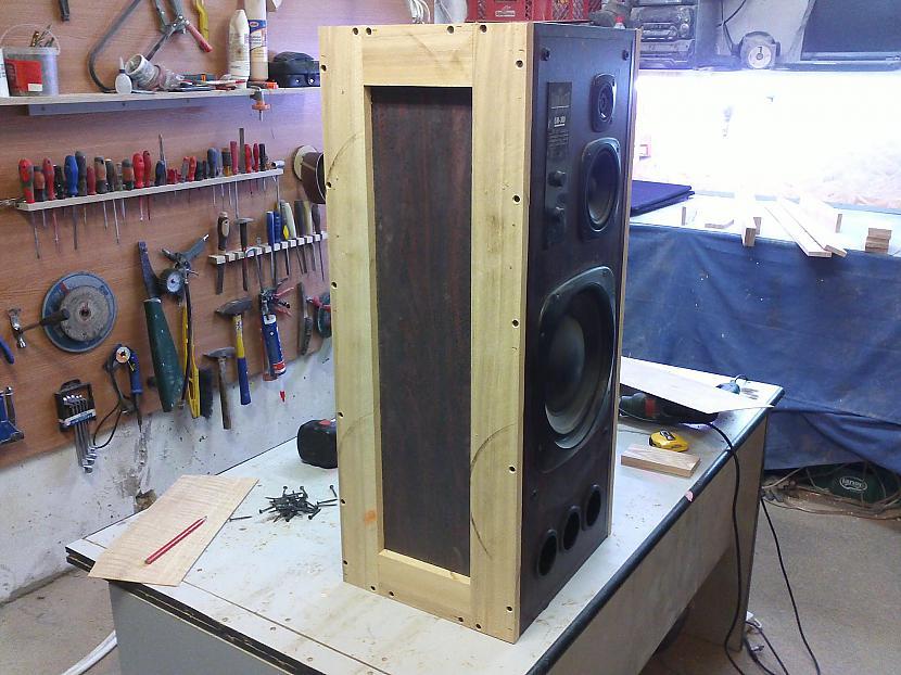 Pieskrūvēju rāmi Autors: I Like to Make Stuff How made vintage style speakers 1/2