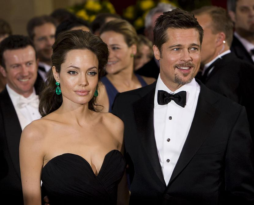 hqcity Autors: Fosilija Angelina Jolie 11