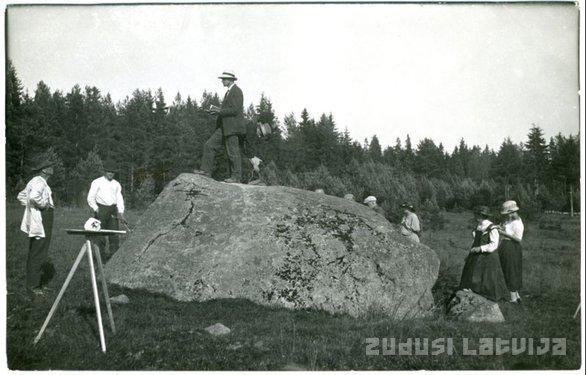 4Krimuldas... Autors: ieva5 Senās dabas svētvietas Latvijā -Rīga un tās apkārtne