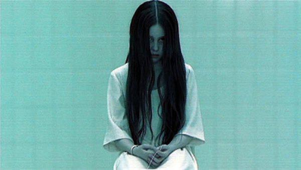 """Tēls filmā The Ring  Sāmara... Autors: im mad cuz u bad Tā tagad izskatās tā meitene, kura reiz tēloja filmā """"Aplis"""" (The Ring)"""
