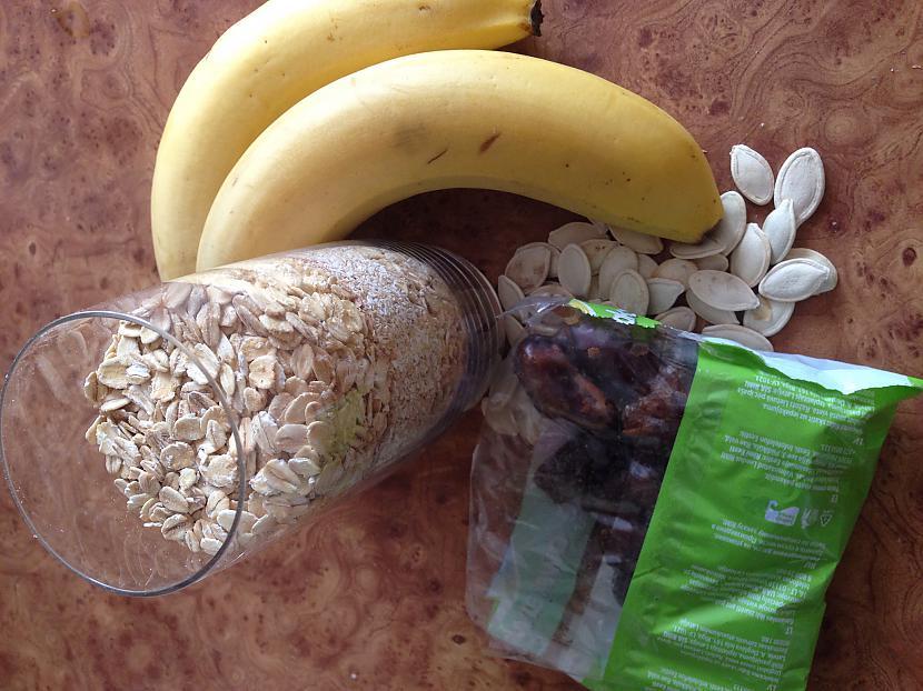 Tātadvajadzēs glāzi pārslu2... Autors: annnija Auzu pārslu-banānu cepumi.