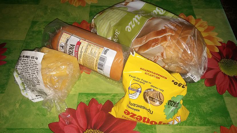 vajadzīgās sastāvdaļas desa... Autors: wokie Gardās karstmaizes