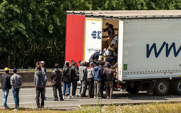 Scaronie bēgļi aiz sevis... Autors: WhatDoesTheFoxSay Bēgļi - Eiropas pastāvēšanas beigas?