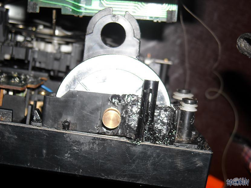 Izskatās scaronausmīgi bet... Autors: DamnRiga Boombox Sanyo C35 remonts