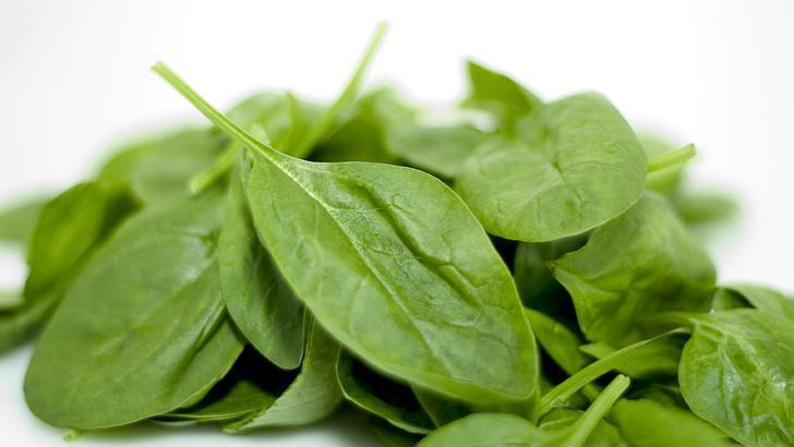 Spināti satur daudz izņēmuma... Autors: Šķiedra 10 ēdieni, kas patiesi ir pierādīti par to, ka tie uzlabos tavu dzīvi.