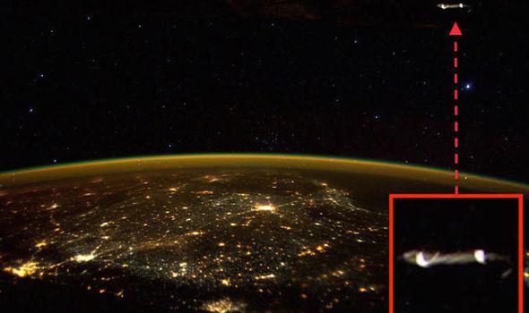 """Autors: Ultrasn0w NASA astronauts """"ietvīto"""" NLO bildes."""