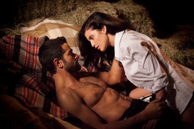 Džese MetkalfsBīstamo... Autors: Tavs kolēģis Kā aktieri jūtas seksa ainu laikā?