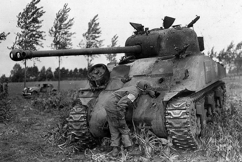 Sascaronauts Sherman VB... Autors: DamnRiga WWII Sašauti amerikāņu tanki