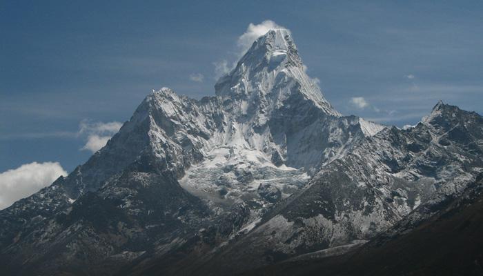 5vieta  Ama Dablam... Autors: AreYouFuckingKiddingMe Top 5 skaistākie kalni