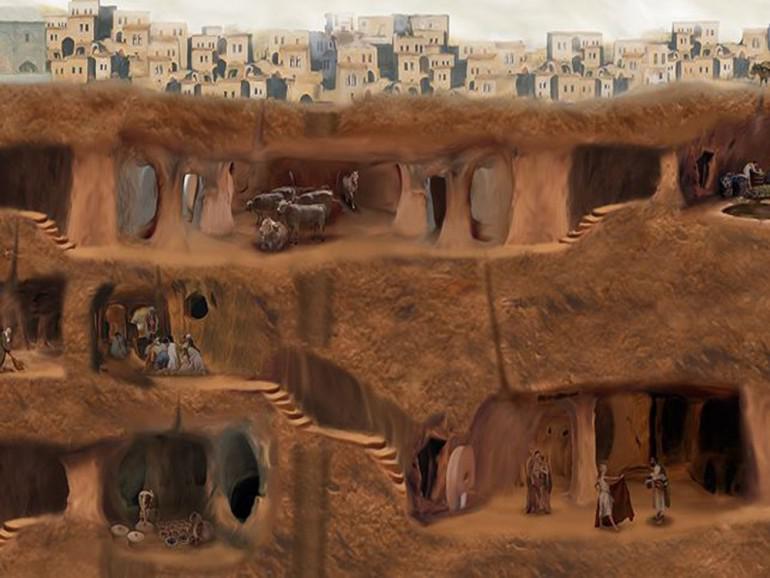 Pēc pirmajām arheologu vizītēm... Autors: Fosilija Vīrietis netīšām atklāj 3000 gadu vecu pazemes pilsētu