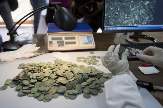 Arheologi bija fascinēti par... Autors: rukšukskrienam Celtnieki netīšām atrada šādus podus pazemē