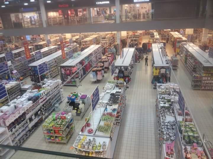 Plaukti ir pilni cilvēku nav ... Autors: matilde Lietuvā iedzīvotāji protestē pret augstajām cenām veikalos un neapmeklē tos