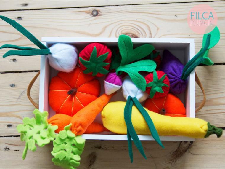 Filca dārzeņu spēļu kaste... Autors: 100 A 50 idejas mīļām, Latvijā ražotām Ziemassvētku dāvanām. Lielais saraksts!