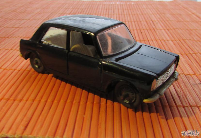Innocenti Morris 1M3 Autors: pyrathe Spēļu mašīnītes no manas bērnības