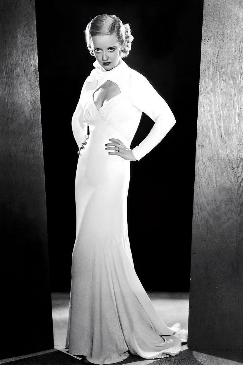 Bette DavisLai arī filmu... Autors: Lestets Modes ikonas no 1930-tajiem