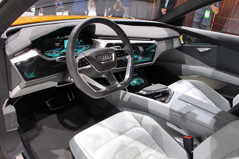 Autors: The Next Tech Audi piedāvā elektrisko bezceļņieku - Teslas konkurentu