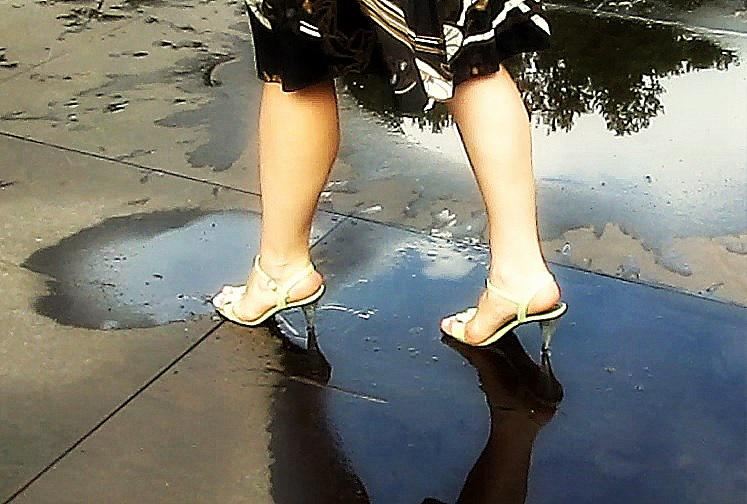 Autors: Fosilija Blue Sea Ribbon sērija: rīta pastaiga pēc lietus
