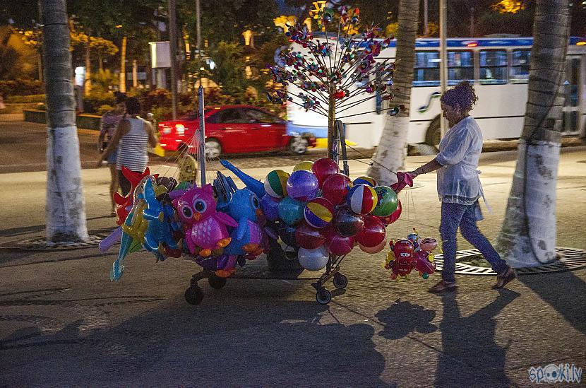 Party balonu tante Autors: Alex Vikingo Foto no Meksikas ikdienas