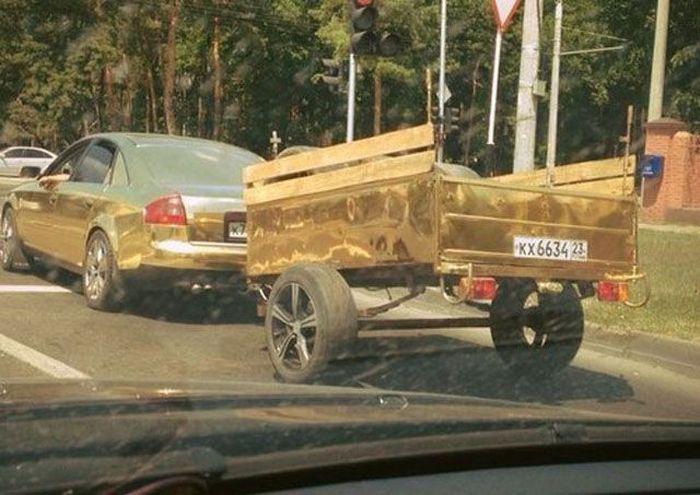 Zelta audi zelta piekabe dzīve... Autors: Emchiks Iespējams tikai Krievijā 7