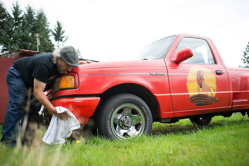 Kopscaron 14 gadu vecuma... Autors: matilde Dīvainā pasaule: Vīrietis, kurš ir pārgulējis ar vairāk nekā 1000 automašīnām!