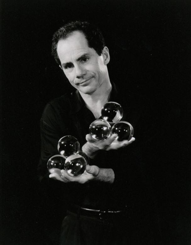 """Slepenais iluzionists spēlējās... Autors: Lestets 9 lietas, ko nezināji par filmu """"Labirints"""""""