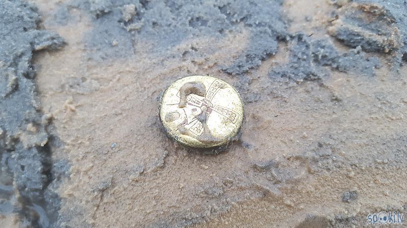 Korķis Autors: The Diāna Ar metāla detektoru pa pludmali. 04.09.2017.