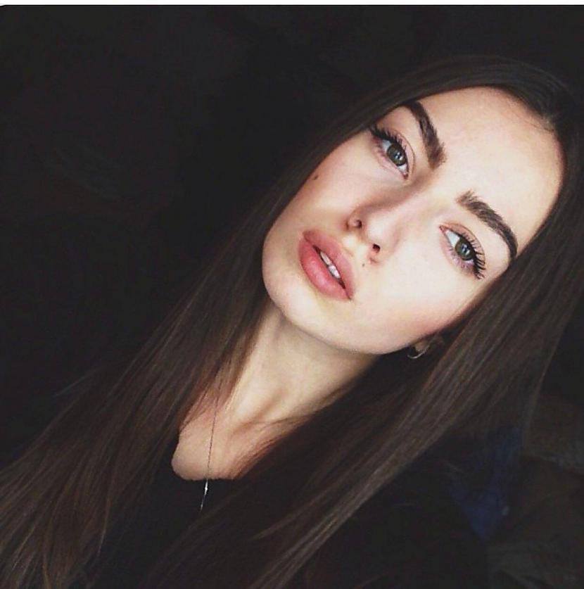 Vēl 2014 gadā Aļena Ivčenko... Autors: matilde Apskaties, par ko pārvēršas meitene pēc 3 gadu popularitātes Instagramā
