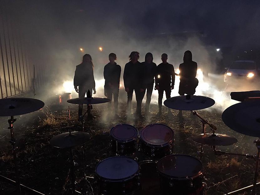 Kopbilde pēc videoklipa... Autors: 4agons Making Blind Eyes See - grupa, kurā es spēlēju UK
