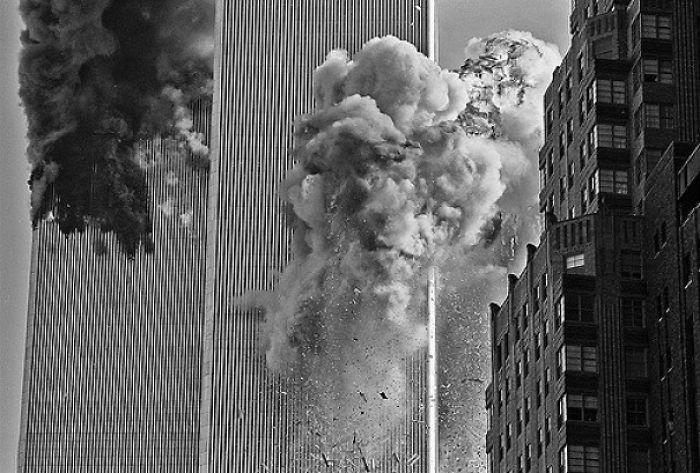 Lūk kur arī vel kāds attēls no... Autors: slepkavnieciskais Īpaši 9/11 attēli, kurus, iespējams, nebūsi redzējis.
