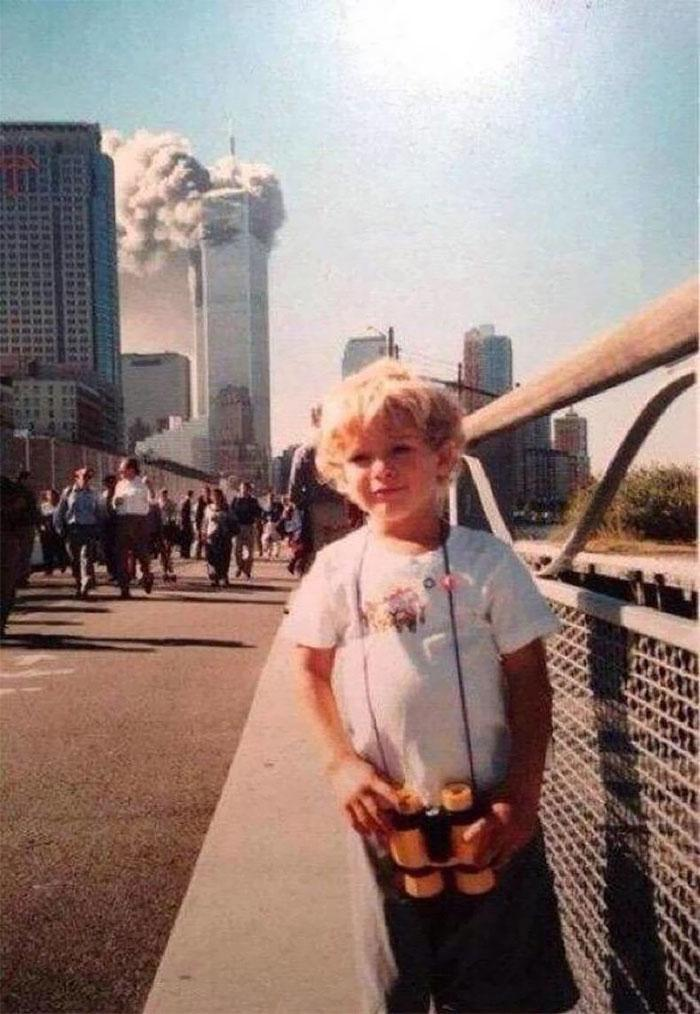 Scaronim zēnam bij 4 gadi kad... Autors: slepkavnieciskais Īpaši 9/11 attēli, kurus, iespējams, nebūsi redzējis.