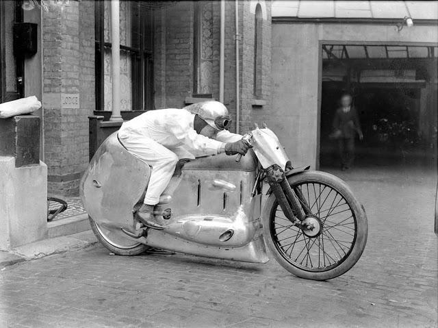 Eksperimentals motocikls Autors: Lestets Dīvainākie britu izgudrojumi