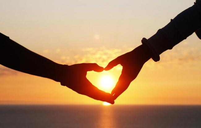 Autors: vienanominkam Kas ir mīlestiba