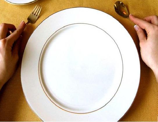 Mīts Izlaistas ēdienreizes ir... Autors: Fosilija 5 mīti, kuriem vajadzētu pārstāt ticēt.