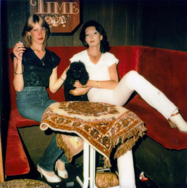 Autors: Lestets Dzērāju un dīvainīšu bildes no Amsterdamas Sarkano lukturu rajoniem 80-tajos