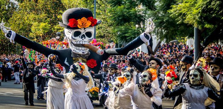 Miruscarono diena... Autors: Bitchere 10 interesantākās Helovīna tradīcijas pasaulē