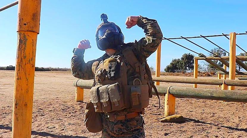 Autors: ugits2 Jauns militārs čalis trenējās ļoti ekstrēmi!