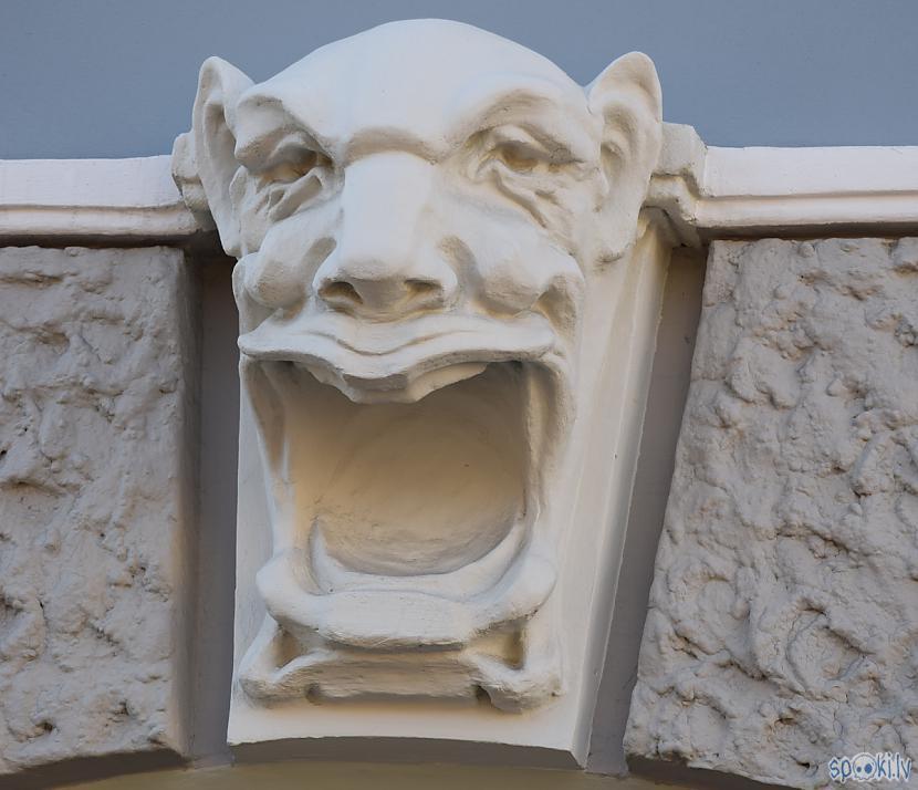 Autors: Strāvonis Rīgas ēkas 1