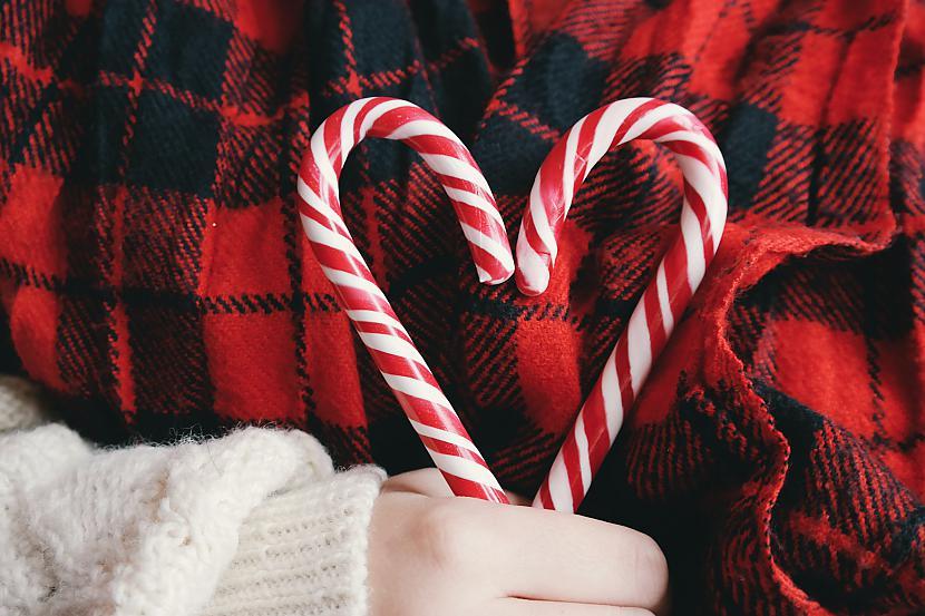 Salavecis brauc ar... Autors: Pīters Kvils Nerātnie Ziemassvētku pantiņi