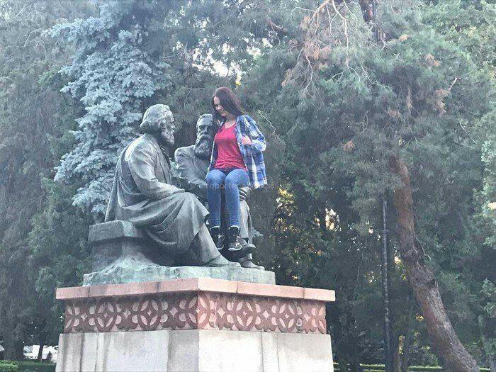 Nu sveicināti kā jums te iet Autors: Fosilija Jocīgi, bet sievietes vienmēr grib kaut kur uzkāpt...