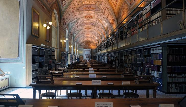 nbspVatikāna bibliotēkā ir... Autors: Lestets 15 fakti par Vatikānu, kuriem ir ļoti grūti noticēt